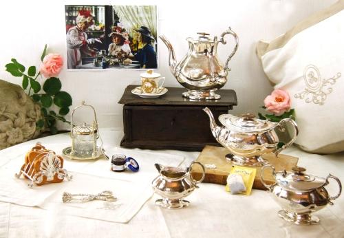 *Tè e caffè con la regina*
