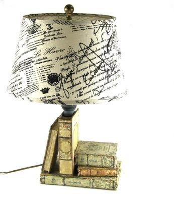 LAMPADA CON LIBRI E SCATOLA VUOTASCHE, art. 0820059